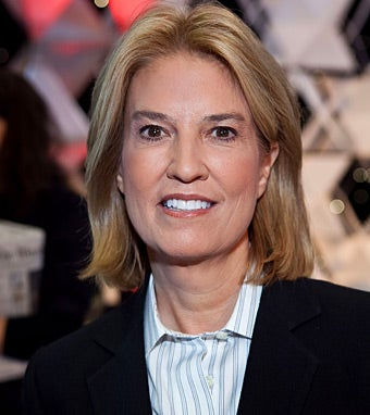 The 62-year old daughter of father (?) and mother(?), 173 cm tall Greta Van Susteren in 2017 photo