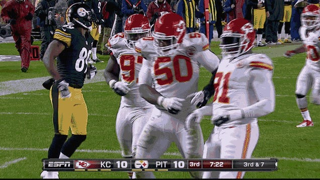 The Chiefs Celebrated A Touchdown That Was Not A Touchdown: Chiefs-Steelers, In Two GIFs