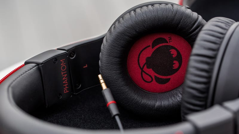 Boomphones Phantom QS 1.0 Review: A Loud, Limited Headphone Speaker Combo