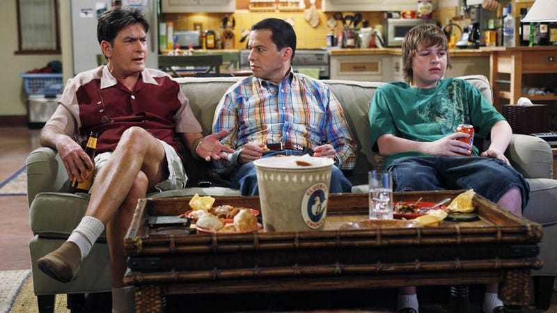 Man Threatens to Bomb TV Station over Two and a Half Men Reruns
