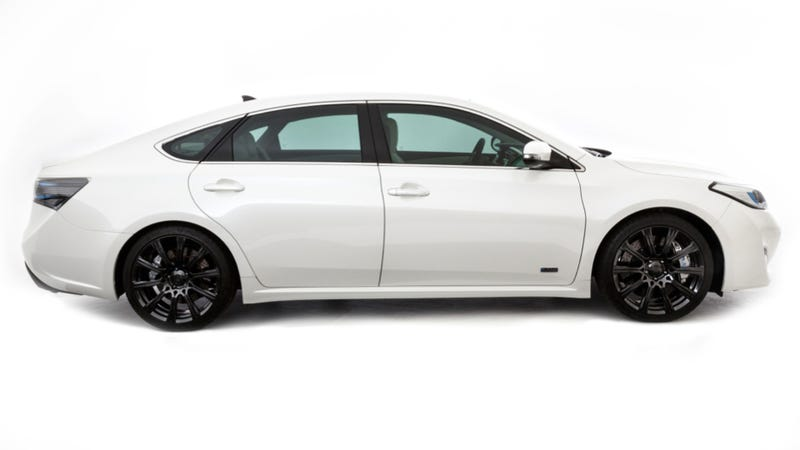Toyota Avalon Puts On Cool Kid Clothes For SEMA