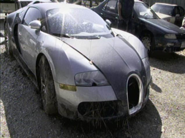 Bugatti veyron crash in lake - photo#24