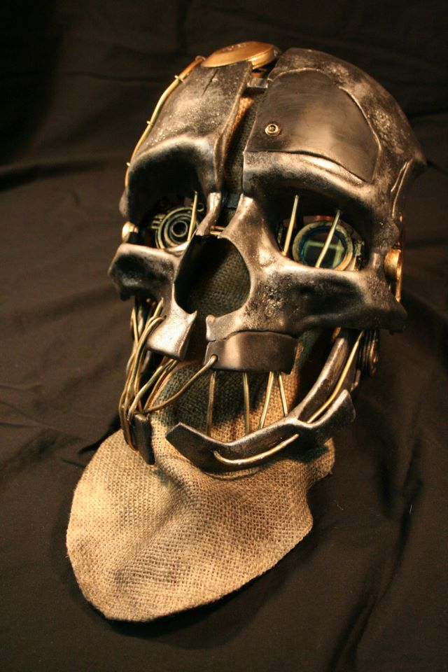 An Exquisite Replica Of Corvo's Mask From Dishonored