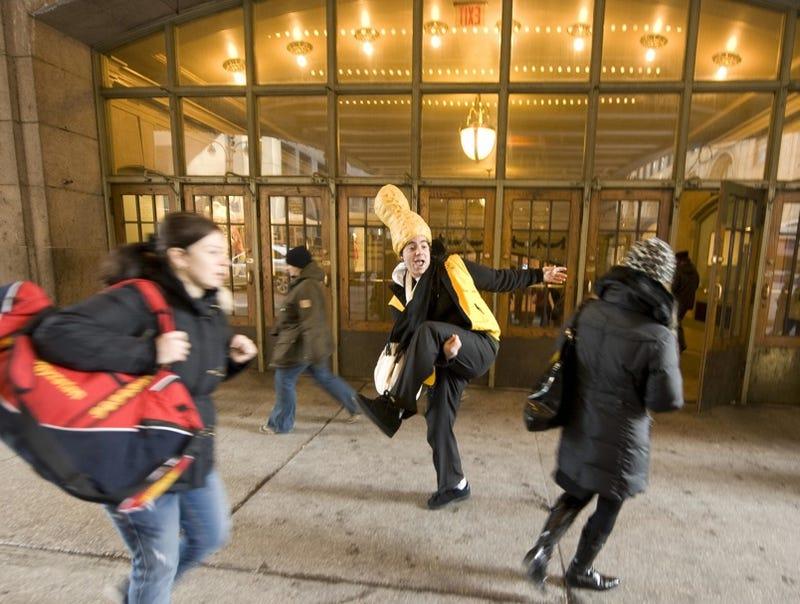 Nutcase Terrorizes Grand Central