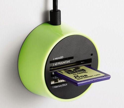 Nifty Elecom Card Reader Sticks to Metal Surfaces