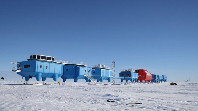 The Halley VI Modular Lab Keeps Moving to Avoid Death-by-Ice