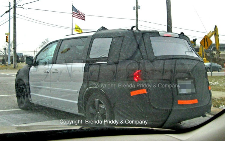 2009 VW Routan Spotted Before Chicago Auto Show Reveal