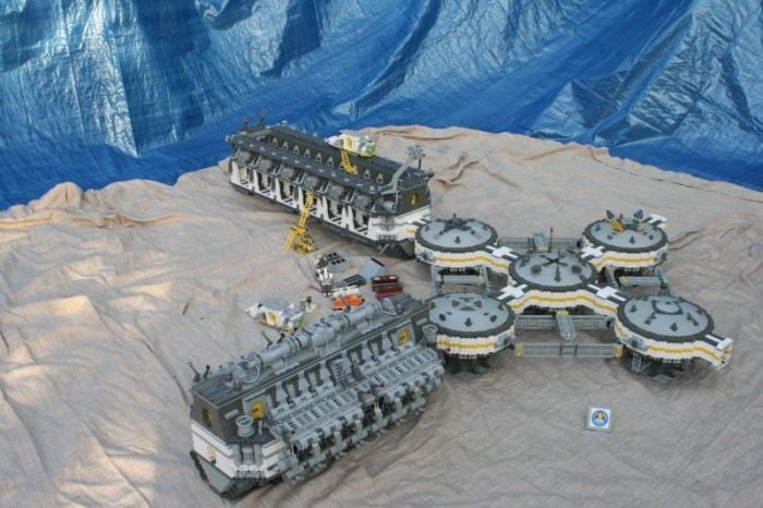 Lego Colonial Space Ship Is Big Enough to Terraform Real Planets