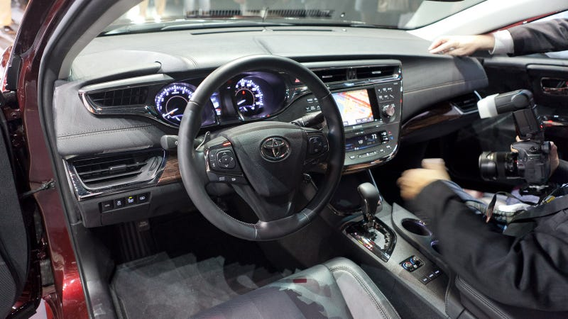 2013 Toyota Avalon Gallery