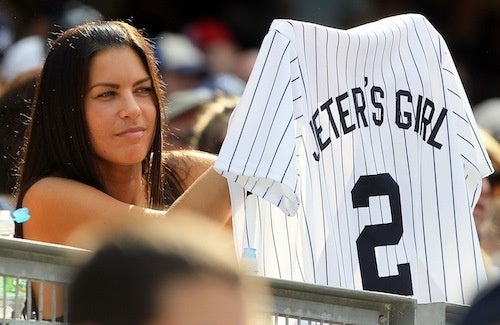 Jeter's Girl Shows Off Her Fanmail