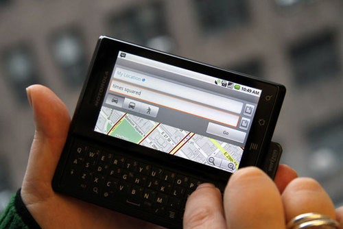 Google Maps Update Brings Multitouch To Motorola Droid
