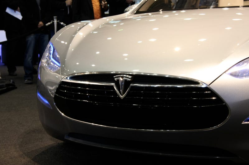 Tesla Model S Electric Sedan Prototype Has a Giant Touch Dashboard