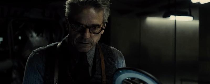 Batman vô đối trong trailer cuối cùng của Batman V Superman