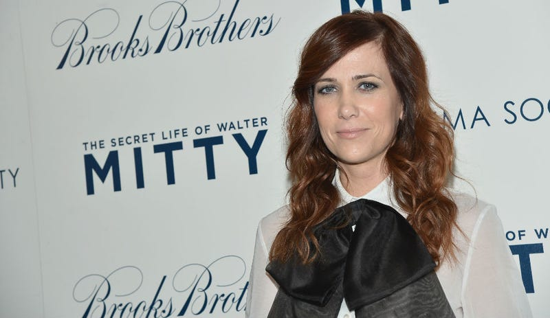 Kristen Wiig Puts A Bow On It