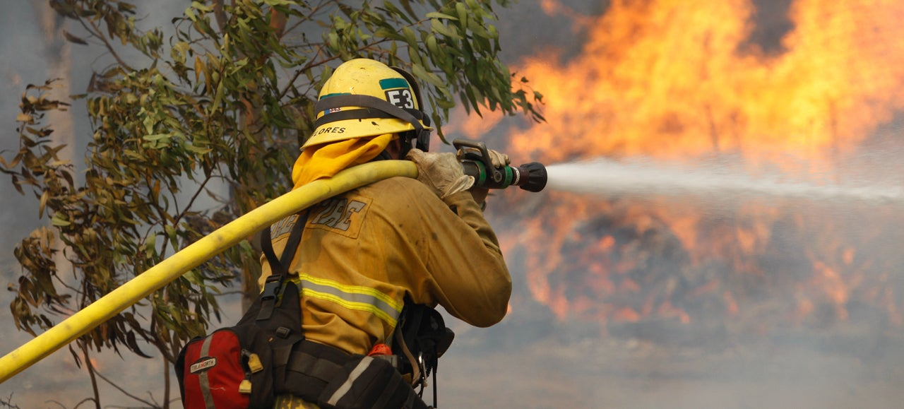 ​How Wildfires Are Fought And What You Can Do If One Threatens You