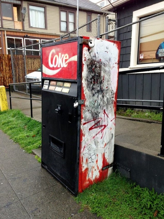 "Seattle's ""haunted vending machine"" is creeping everyone out"