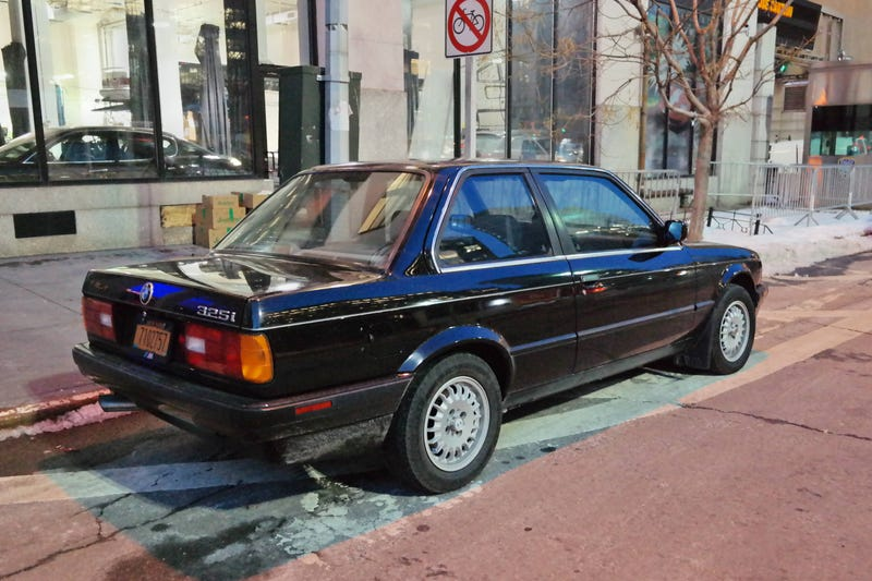 An Automatic E30 Isn't The Worst Thing Ever