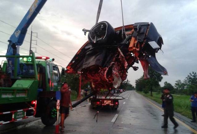 Crash Rips Lamborghini Gallardo In Half, Driver Walks Away