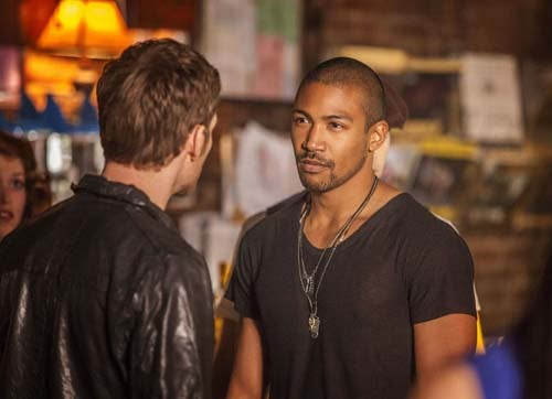 First Official Pics of Tomorrow People, The 100 and Star-Crossed!