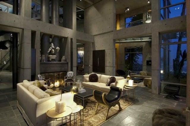 Peek Inside Rihanna 39 S New Hollywood Hills Mansion