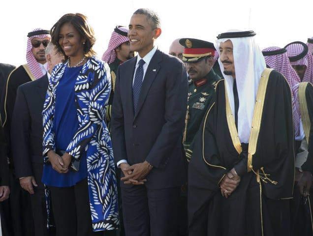 Michelle Obama's Bare Hair in Saudi Arabia Isn't a Real Controversy