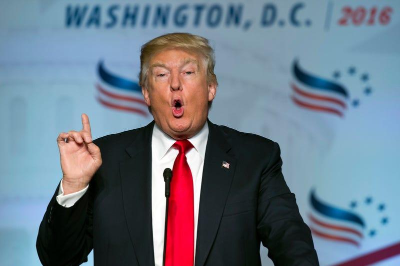 Trump Threatens to Revoke NYT Press Credentials Again