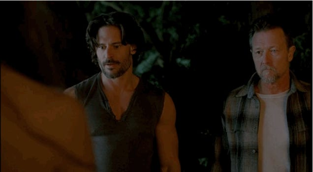 True Blood premiere switches from vampire politics to threesomes