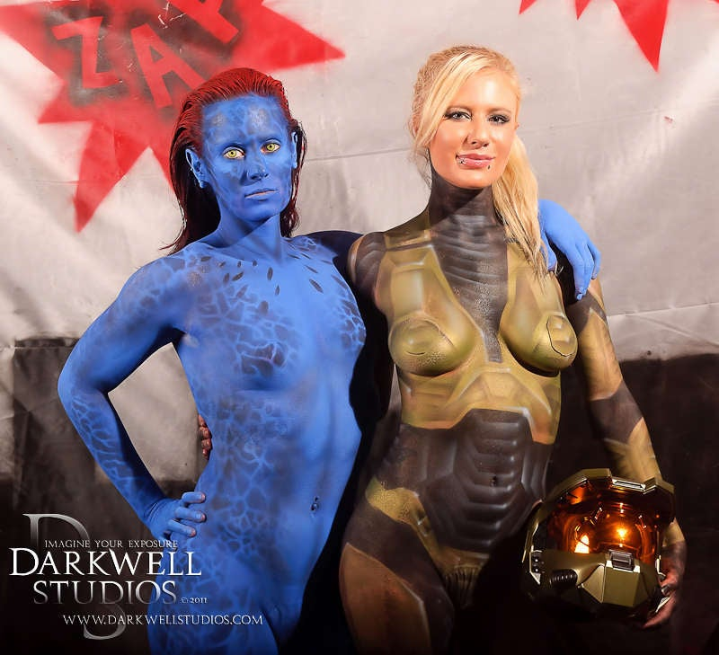 The Amazing Sexiness of Superhero Fetishwear and Body-Painting [NSFW]