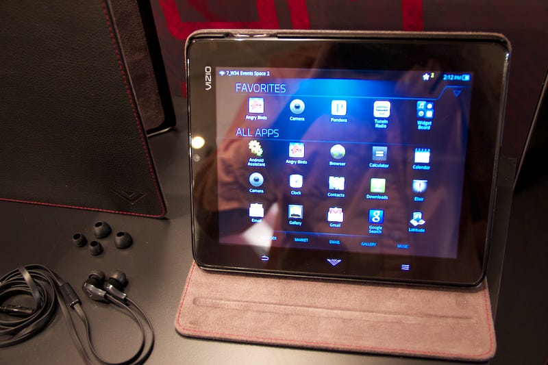 Hands On the Cheap, Media-Mongering Vizio Tablet