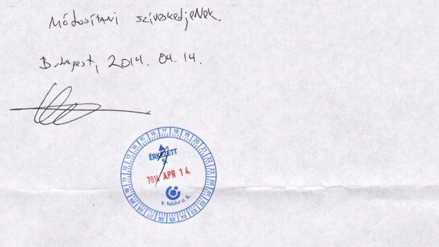Ezzel a kézzel íratott vacakkal lehet címet váltani az OTP-ben