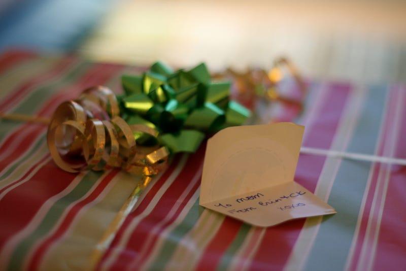 Shooting Challenge: X-Ray Christmas Gifts