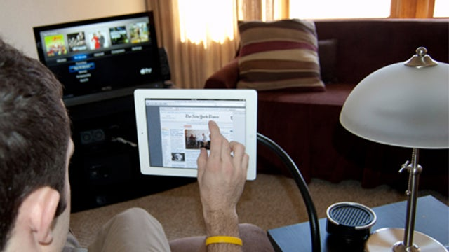 Bendi the Tablet Stand is Like a Mini Flexible Arm For Your 'Pad