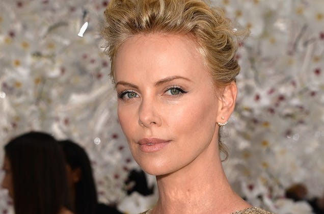 Charlize Theron Wants You to Know She Did NOT Ghost SeanPenn advise
