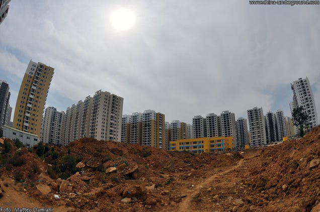 china 39 s brand new abandoned cities could be dystopian