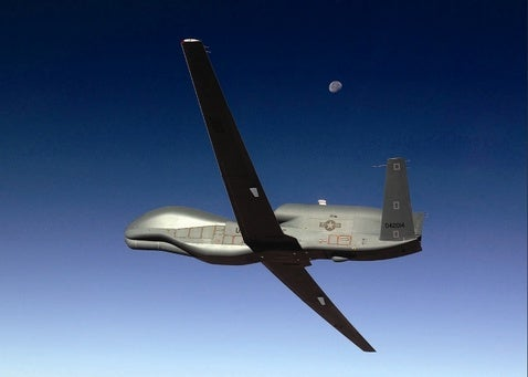Global Hawk Sets Robot-Plane Endurance Record