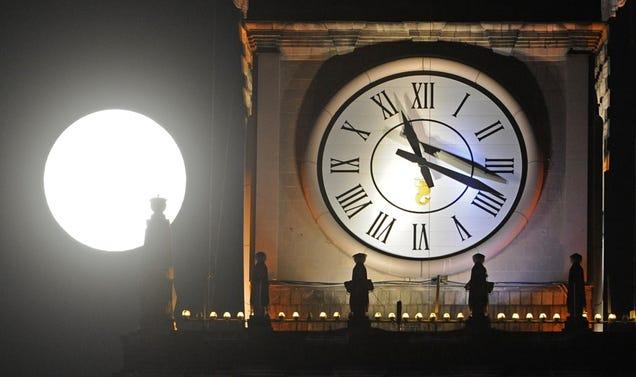 Fall Back: Set Your Clocks
