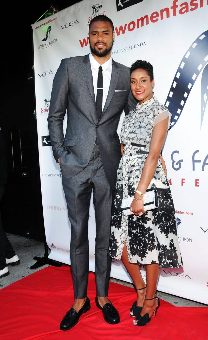 I Can't Stop Looking At This Picture Of Tyson Chandler's Tiny-Ass Legs