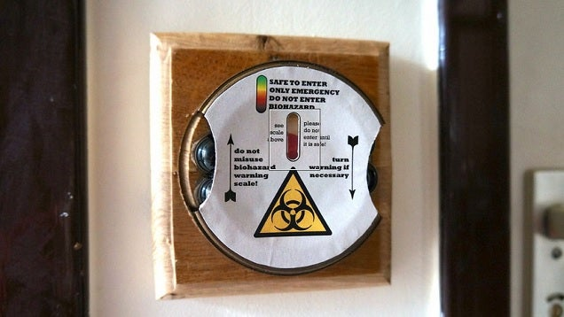 Save People's Noses with a DIY Bathroom Warning Timer