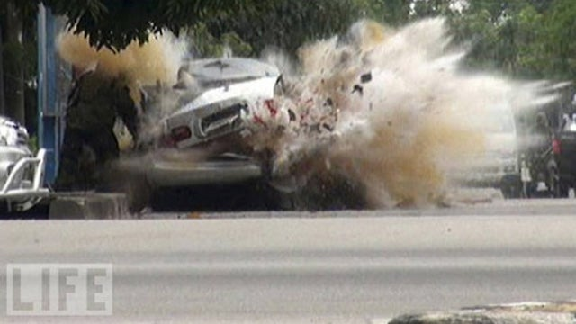 See the very moment a car bomb explodes