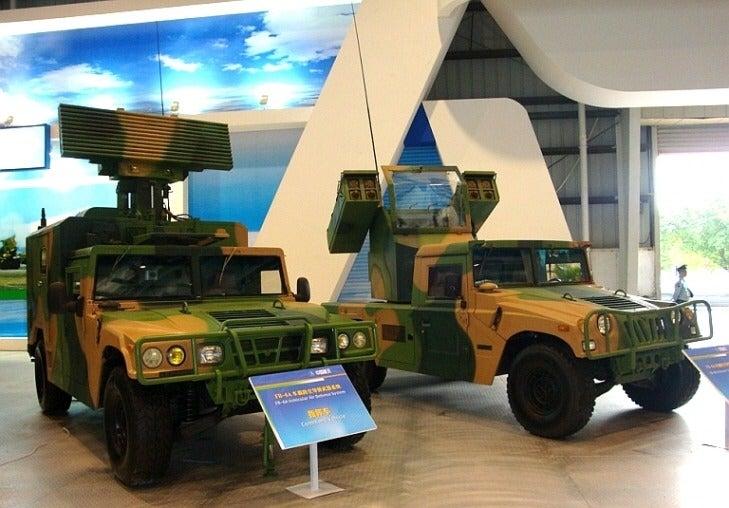 Nézegess hülye nevű, kínai Humvee-klónokat
