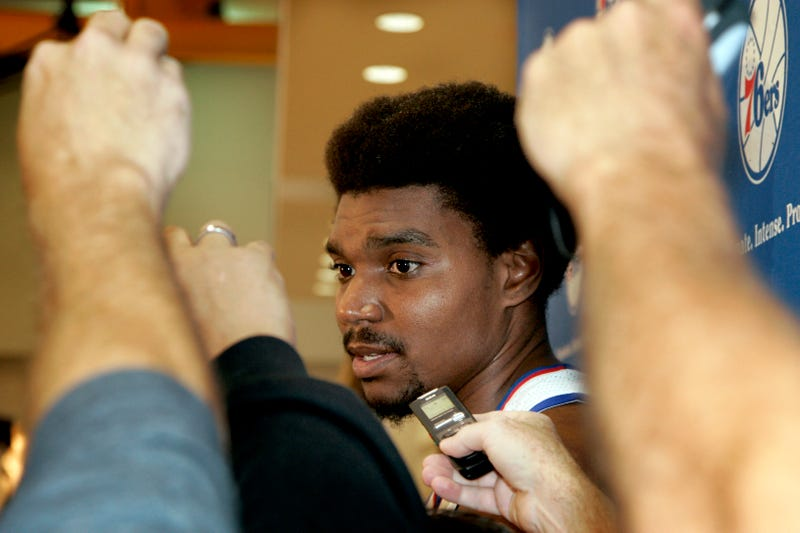 Andrew Bynum Will Take Hair And Bowling Talents To Cleveland