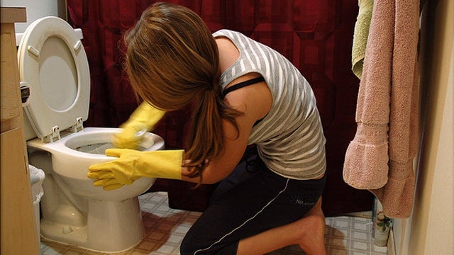 "Utilize ""Three T's"" Cleaning Method to Get Ready for Unexpected Guests"