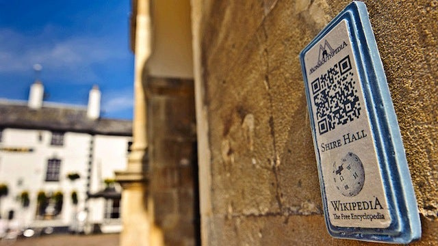 This Entire Town Is Plastered with QR Codes That Link to Wikipedia