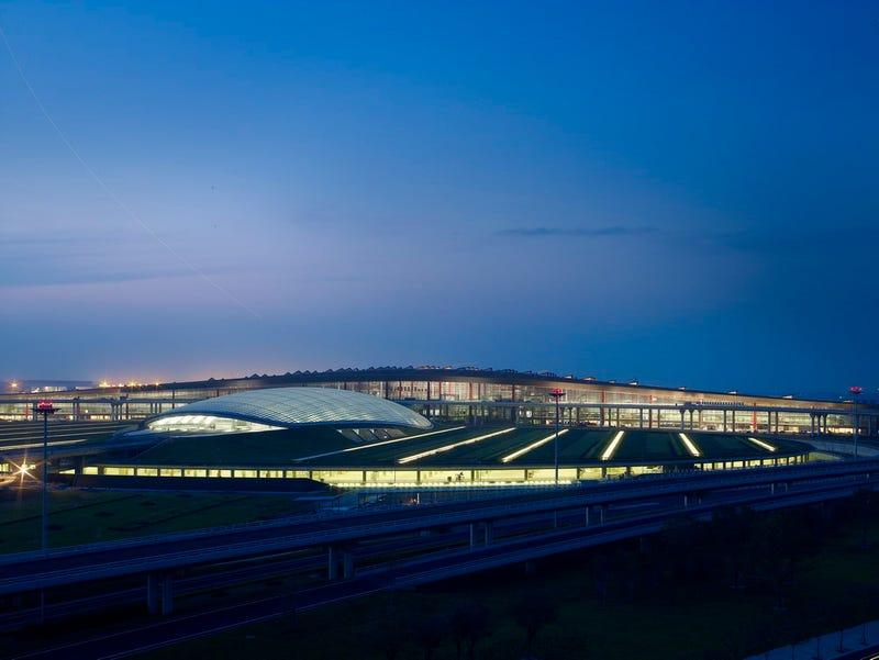 World's Biggest Airport Opens in Beijing