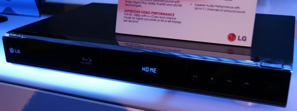 First Pics of LG Netflix Blu-ray BD300 Player
