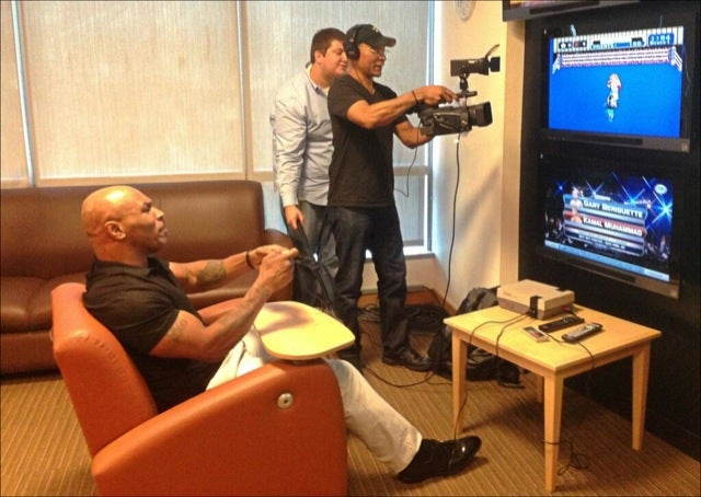 Watch Mike Tyson Play Mike Tyson's Punch-Out! for The First Time