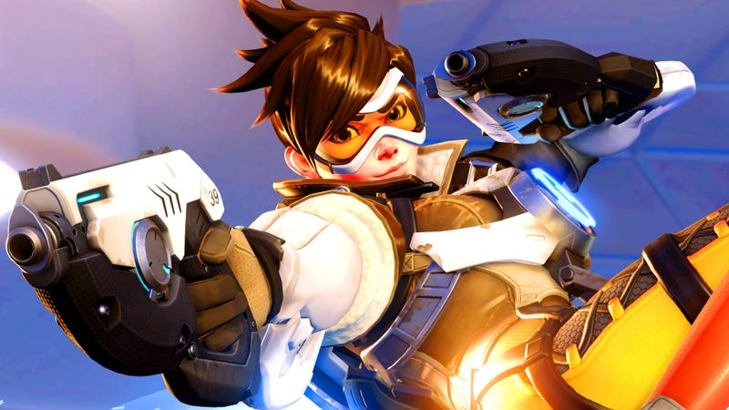 Overwatch Pro Rips Through The Other Team As Tracer