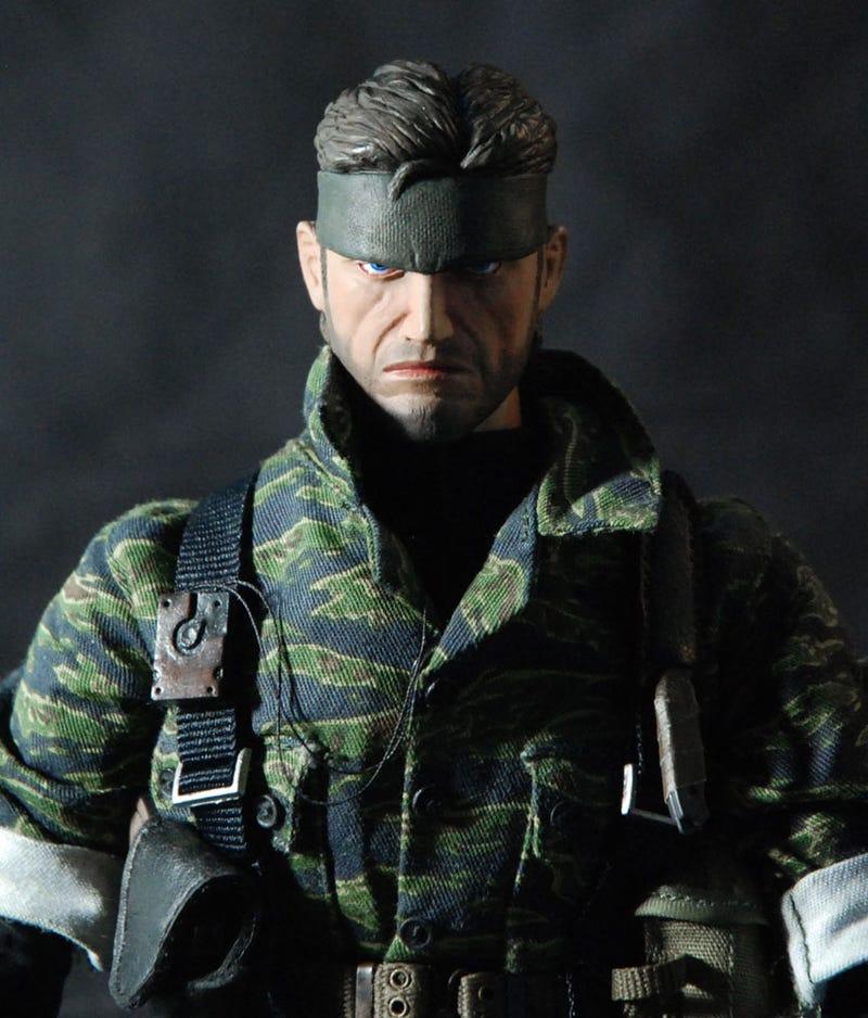 Little Snake Has A Little Copy Of Metal Gear Solid 3