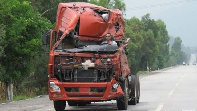 Chinese driver keeps on truckin' in wrecked semi