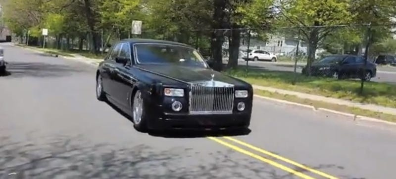 This Terribly Abused Broken Rolls-Royce Is Worth $290,000 Less Than New